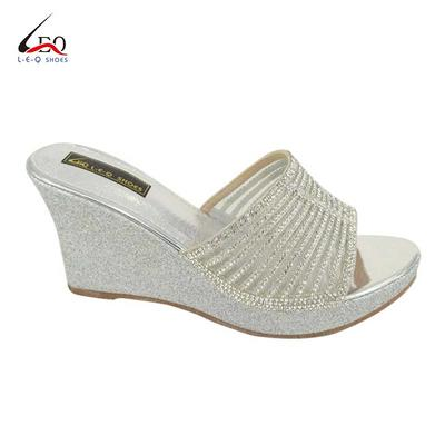 2020 Hot Sale Women's Wedge Slipper Shoes Fashion Ladies Wedge Slipper Sandal Mid-Heel Wedge Slippers With Luxurious Diamond Classic 3.5 Inch Mid-Heel Wedge Slippers Popular Stylish Slippers For Girls